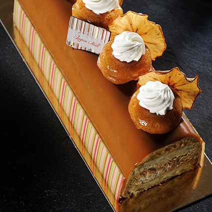 Moist Apple and Isigny Caramel Log Cake